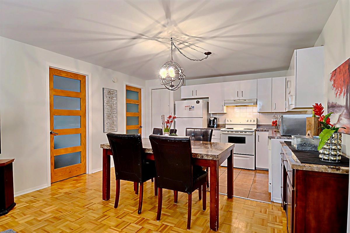 home staging cuisine et salle à dîner